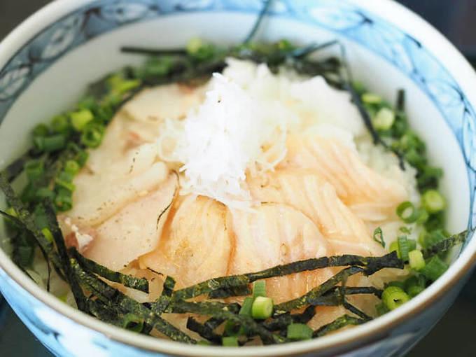 海鮮どーん | メニューも豊富「新鮮な地元魚を使った日替わりランチがおすすめ」