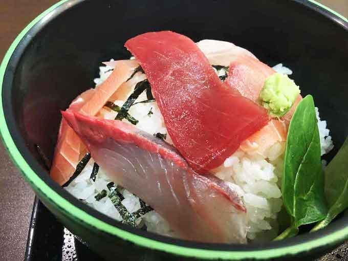 ワンコインの海鮮丼