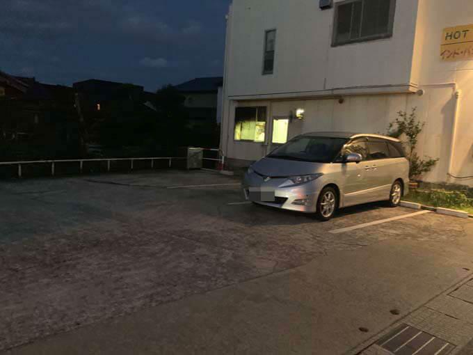 「ホットスプーン」の駐車場