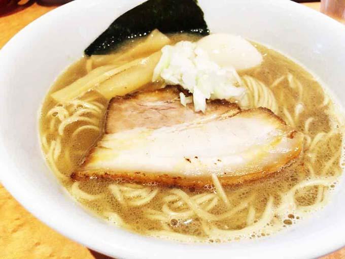 麺屋 一鶴 | ミシュランにも掲載「濃厚な鶏煮干しラーメン」