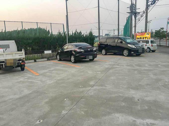 「かれえてい」の駐車場
