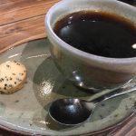 まめやコーヒー | 世界中の珈琲が楽しめる「金曜限定の寝てないカレーもご紹介」