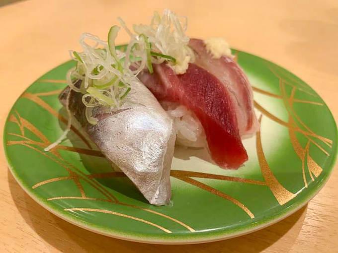 すしのや | 氷見で食べるハイコスパの回転寿司「地物の3種盛りがおすすめ」