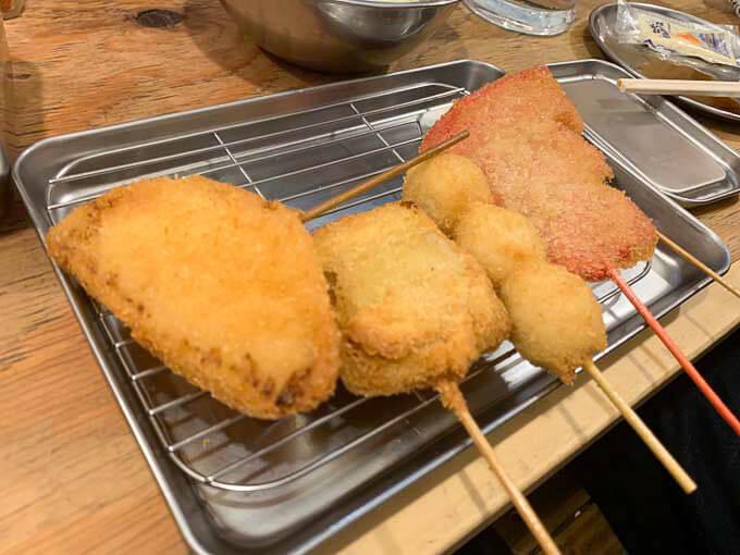 串カツ田中 富山駅前店 | 5種盛りがおすすめ「サクサク衣と甘めのソースが美味い」
