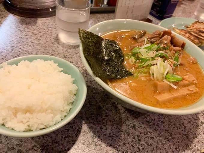 鼓(つづみ) | 濃厚なもつ味噌ラーメン「ピリ辛テイストでご飯とマッチ」