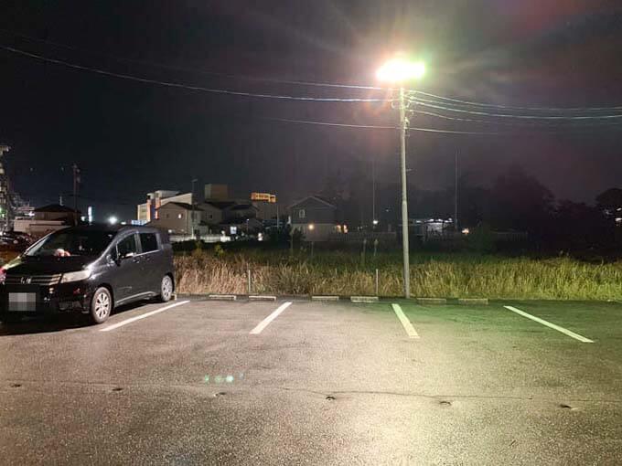 「ぼんてん」の駐車場
