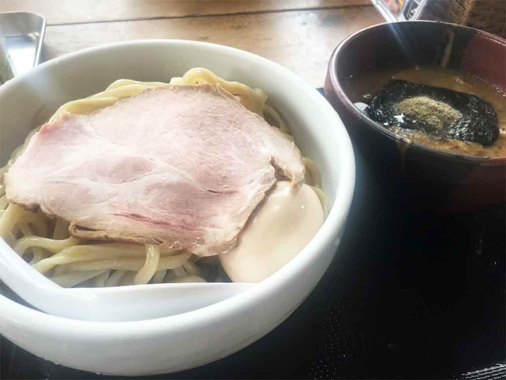 えびすこ | 富山のつけ麺界のパイオニア「王道の魚介とんこつ・麺大盛り無料」