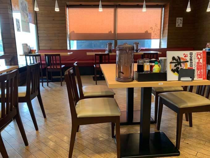 テーブル席 その2