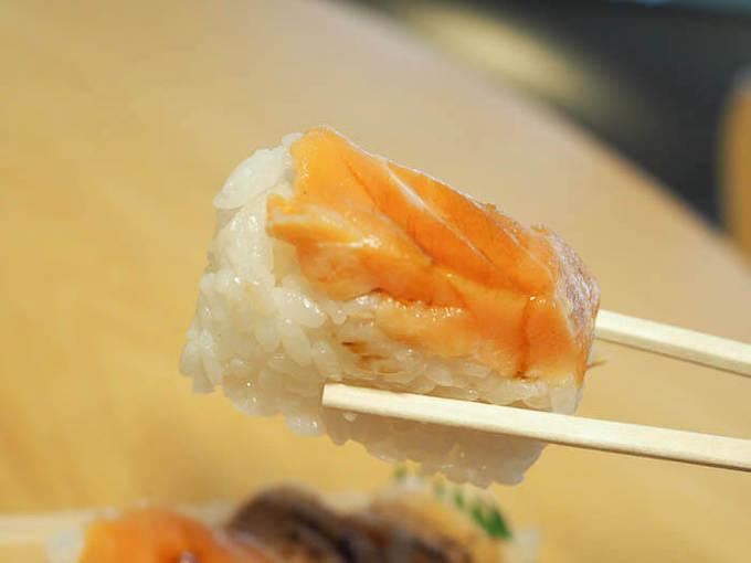 分厚くカットされた鱒の寿司