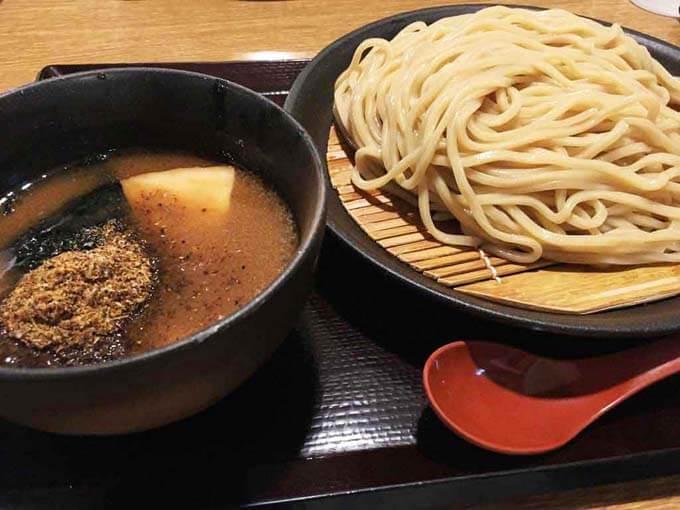 是空 富山店 | 濃厚魚介スープのつけ麺「鶏の唐揚げもセットでどうぞ」