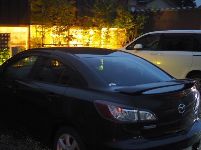 香華楽の駐車場