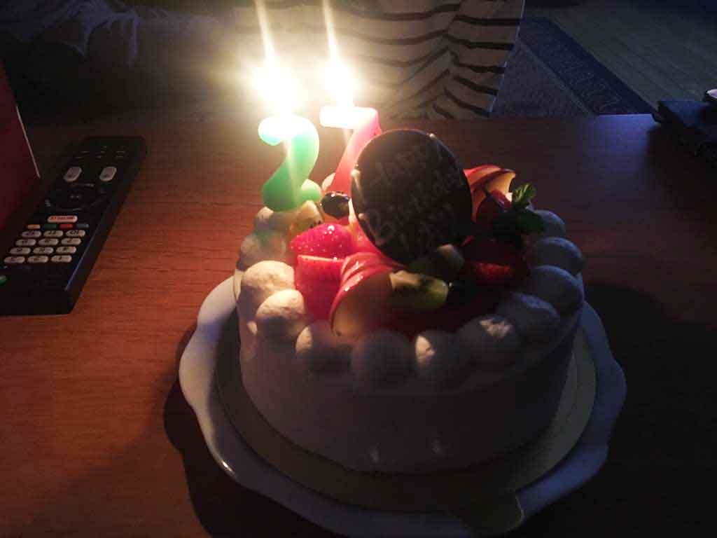 ぷちロールの誕生日ケーキ