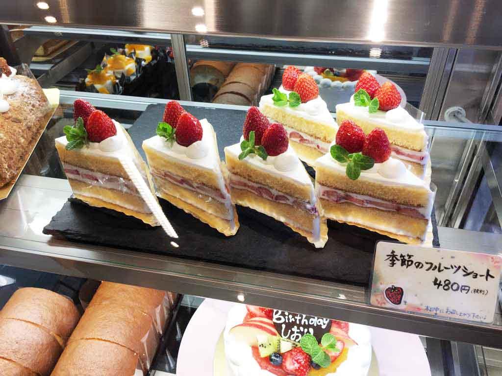 ぷちロールのショートケーキ