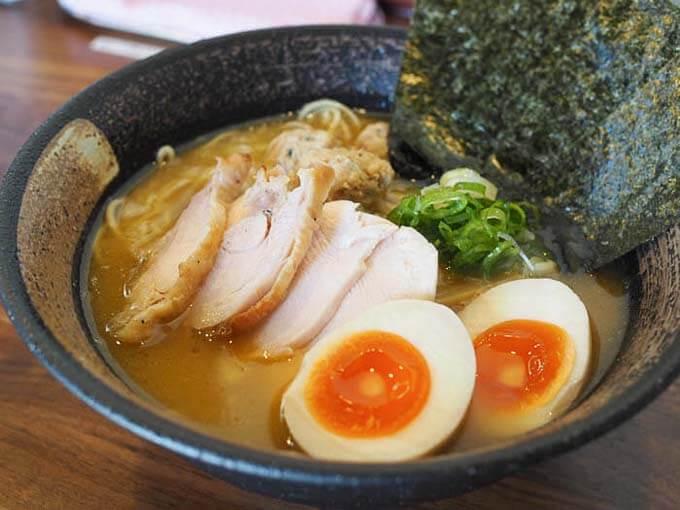 虎珀の特製濃厚鶏そば(醤油)