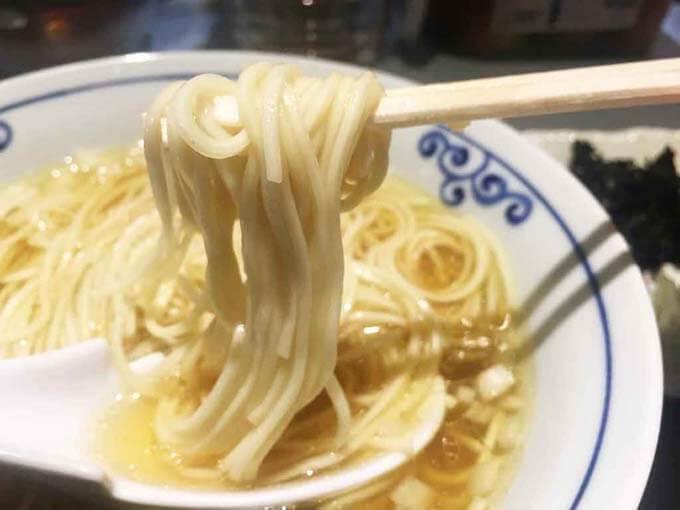 アルデンテなストレート麺