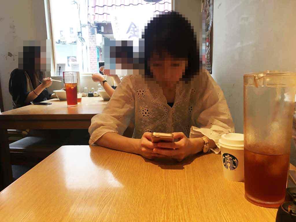 金沢製麺処のテーブル席