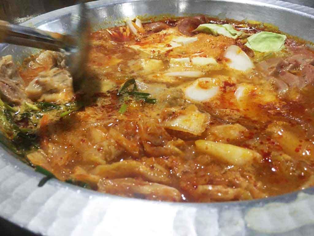 ボリューム満点のチゲ鍋