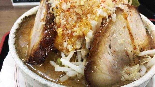 【麺家とみぃず】二郎系ラーメンとまぜそば、人気の極太麺メニューがうまい