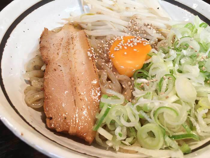 【麺家やまひで 掛尾店】台湾まぜそばの名店が移転オープン!3種のまぜそばを食らう