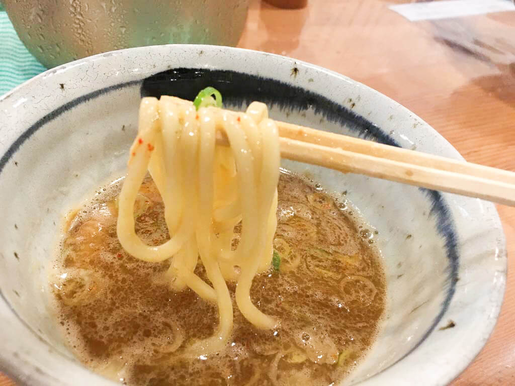 もちもちツルツルの太麺