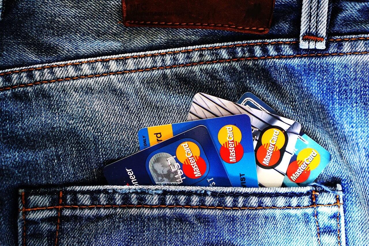クレジットカードが利用可能
