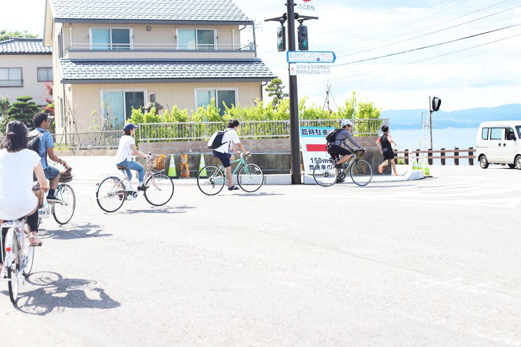 ホコ天サイクリングロードに突入