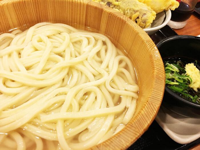 丸亀製麺:1日だよ、全員丸亀集合!!
