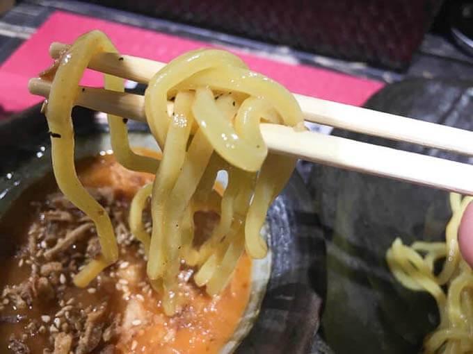 食べ応え抜群の太麺
