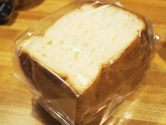 『パンダパンダ』のモーニング食パン