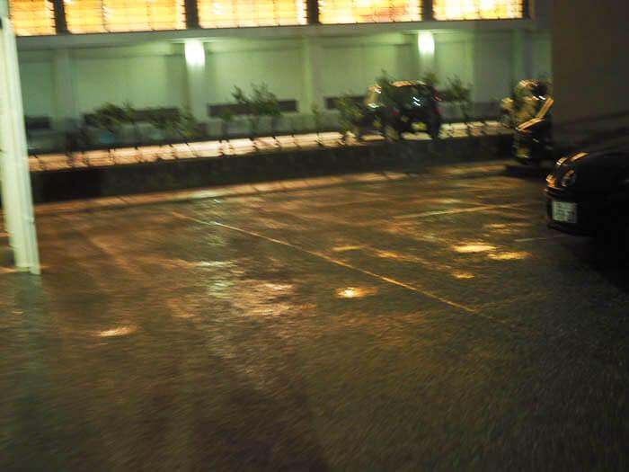 クシの駐車場