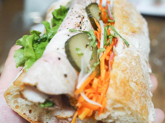 【エピスリー スリジェ】城端SA近くのパン屋、地元野菜を使ったフレンチ惣菜パンが看板メニュー