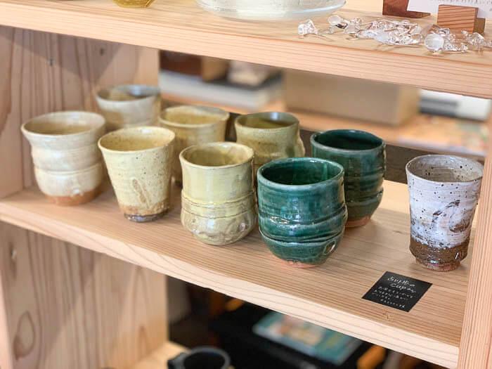 手作りのカップ