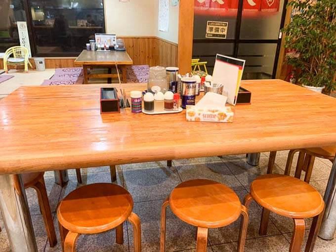 相席できるテーブル席