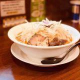 麺家なると 富山店 | 麺大盛り無料のなる二郎がうまい「メニューも豊富で家族で楽しめる」