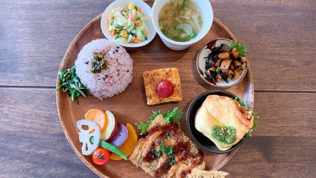 【ウプス ア デイジー】ランチは和食ワンプレート「栄養バランスもとれて美味しい」