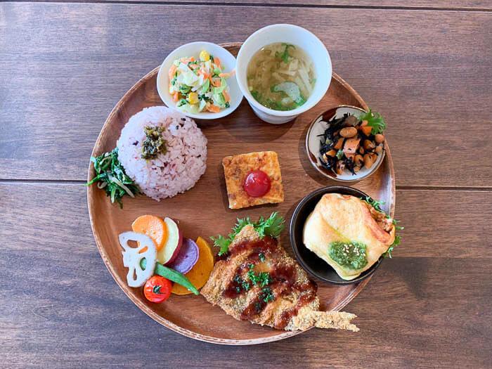 【ウプス・ア・デイジー】ランチは和食ワンプレート「栄養バランスもとれて美味しい」