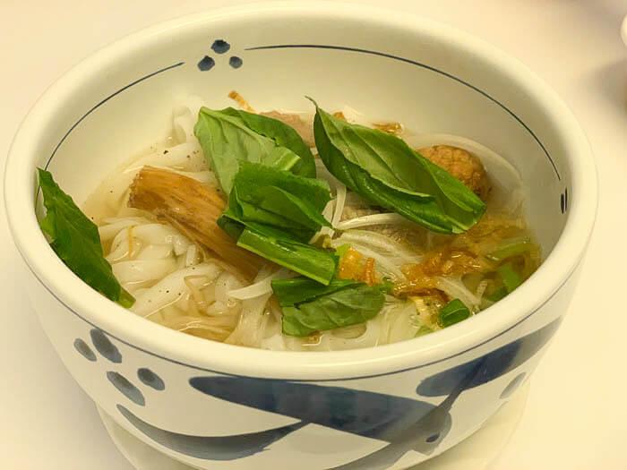 【アオザイ 富山】故郷を感じるベトナム料理「スタッフとの交流を楽しむ」