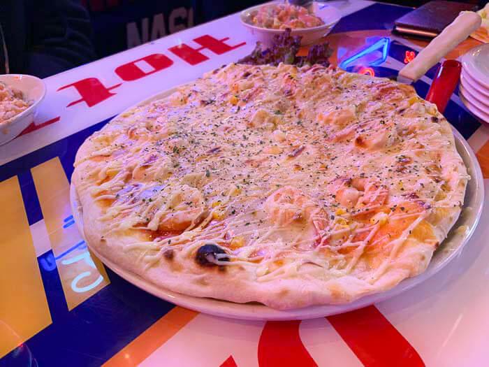 ビッグブルーピザ