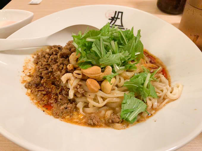 【175°DENO 銀座】汁なし担々麺が絶品!!「ここだけで味わえる本場四川を感じる一杯」