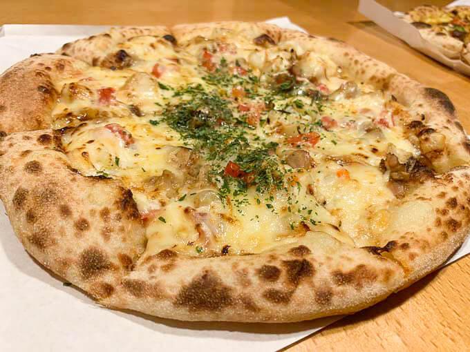 照り焼きチキンと北海道ポテトのピッツァ 1,238円