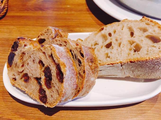自家製のパン