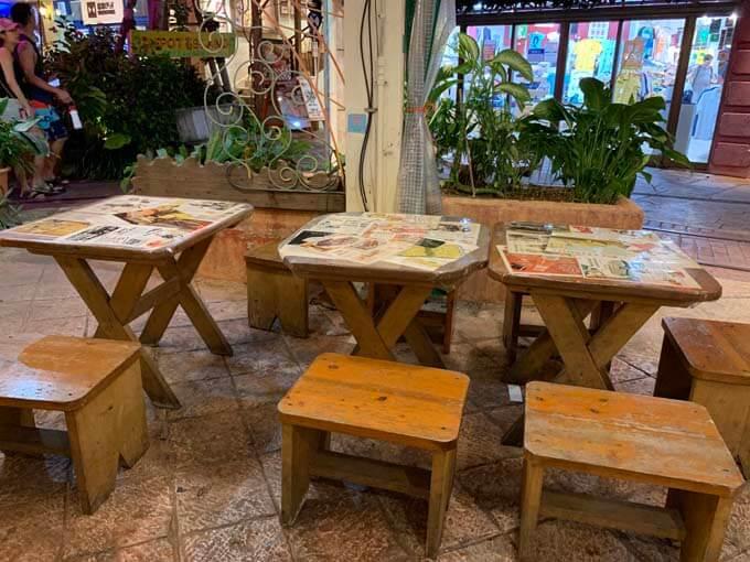 テーブル席が多数