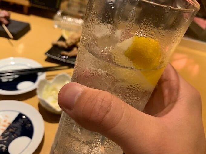 生レモンサワーが焼き鳥にマッチ