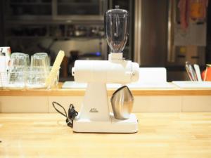 【カリタ NEXTG カットミル】ホワイトの限定カラーを購入「次世代のコーヒーグラインダー」